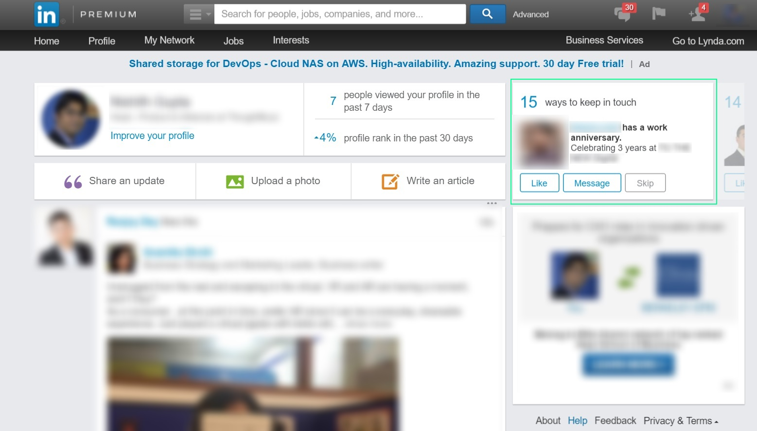 A feature that motivates users to remain engaged on Linked In